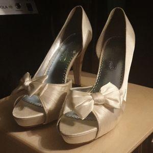 White Michaelangelo Heels